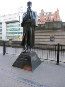 Sherlock Holmes vor der Tube Station Baker Street
