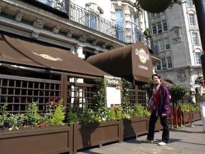Das Hard Rock CAFE - bevor wir einem Blick auf dei Karte geworfen hatten